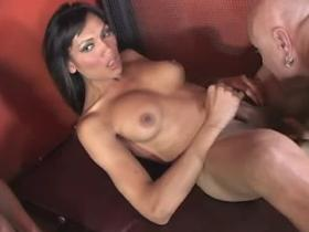 Horny blond shemale jizzes in stormy shemale orgy