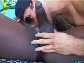 Hot guy does perfect blowjob to ebony mature tgirl
